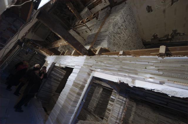 Verwoest Huis Bloemhof van Marjan Teeuwen