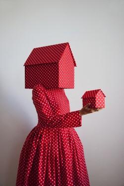 Guda Koster  - Rood met witte stippen