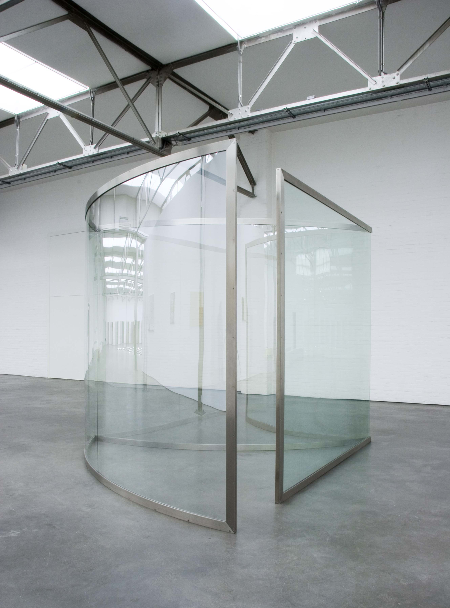 Graham Pavilion - 2005 - stainless steel frame, 2 way mirror glass - photo Henk Geraedts - collection De Pont